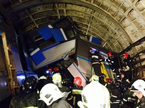 Train crashes in Moscow metro at 70 km/h