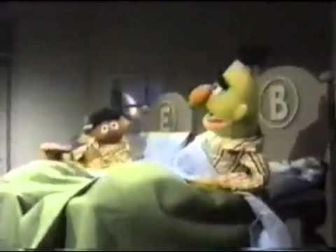 Sesame Street - Bert and Ernie - Cookies in Bed