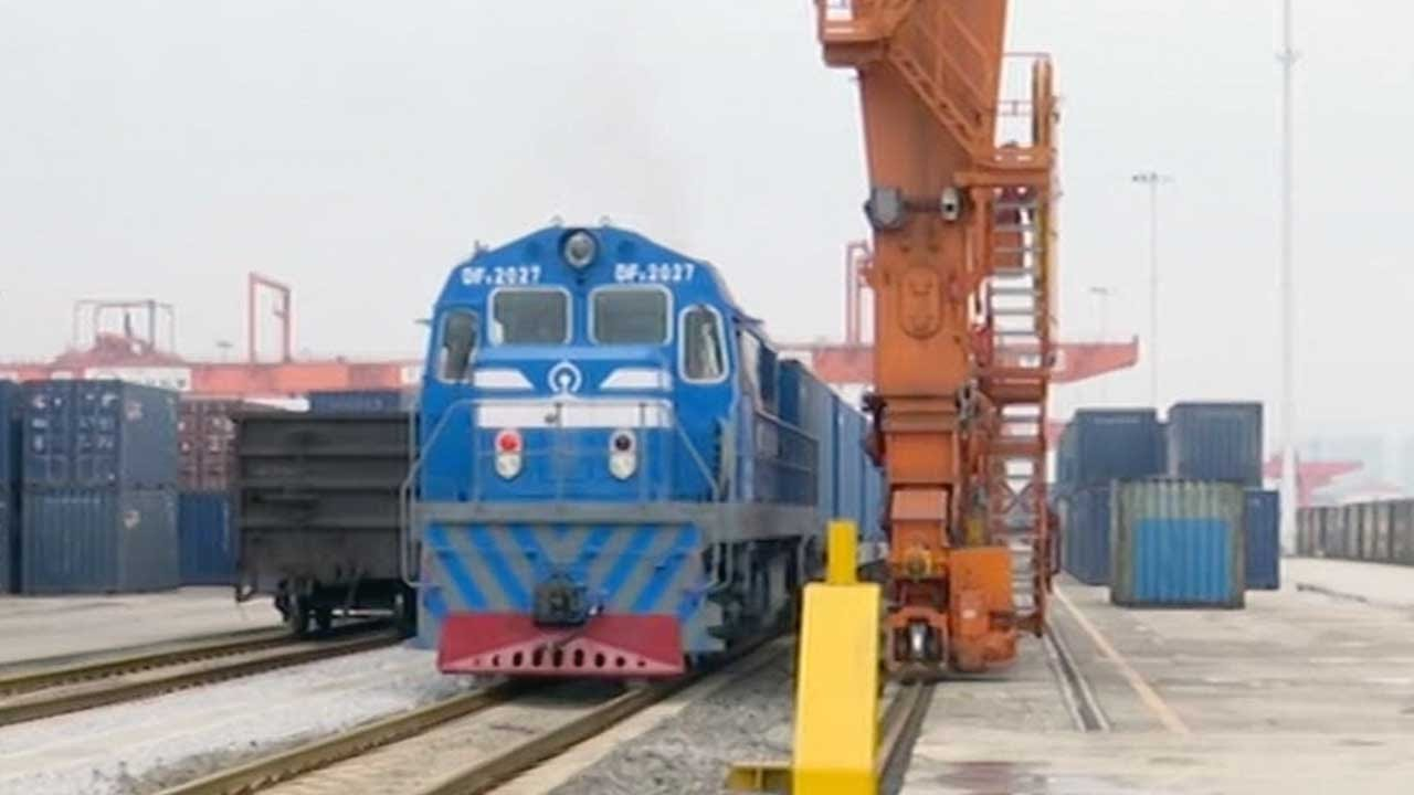 High-end products from China's Chongqing shipped to Europe by rail
