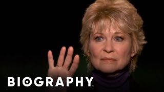 Celebrity Ghost Stories - Dee Wallace - Reflection