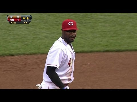 SF@CIN: Reds Turn Two On Infield Fly Rule