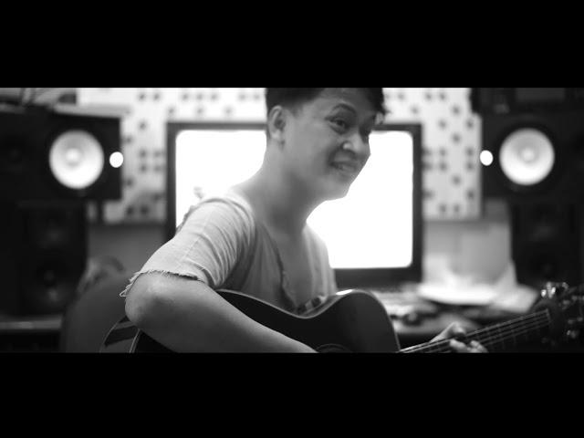 REVIFE Band - Pergilah (Official Lyric Video)