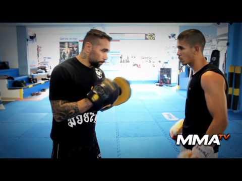 Moises Gibi - Video Aula Muay Thai - Finta chute frontal saindo com direto