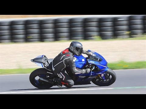 yamaha r6 2017 essai pov avec lucas mahias pour auto youtube. Black Bedroom Furniture Sets. Home Design Ideas