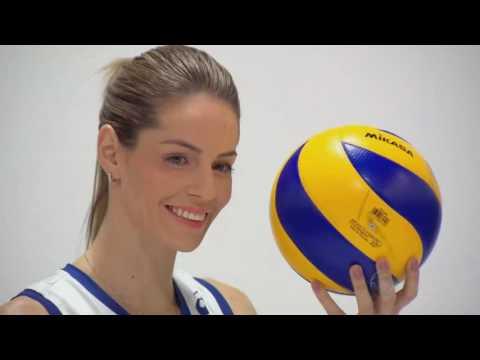 Musas do vôlei brasileiro fazem sucesso como modelos