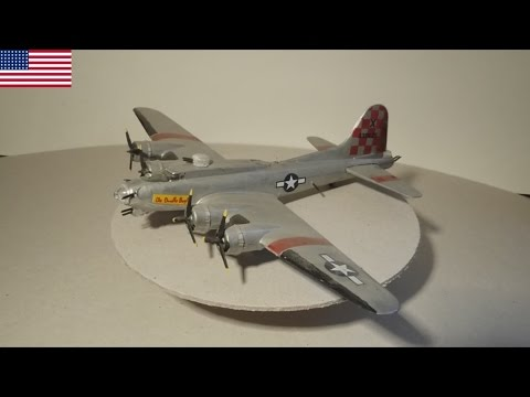 """Boeing B-17 """"Flying Fortress"""" - US Air Force - 1:144 Modell"""