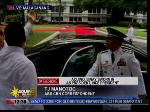 President Aquino arrives at the Palace