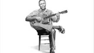 Kansas Joe McCoy - Pile Driver Blues