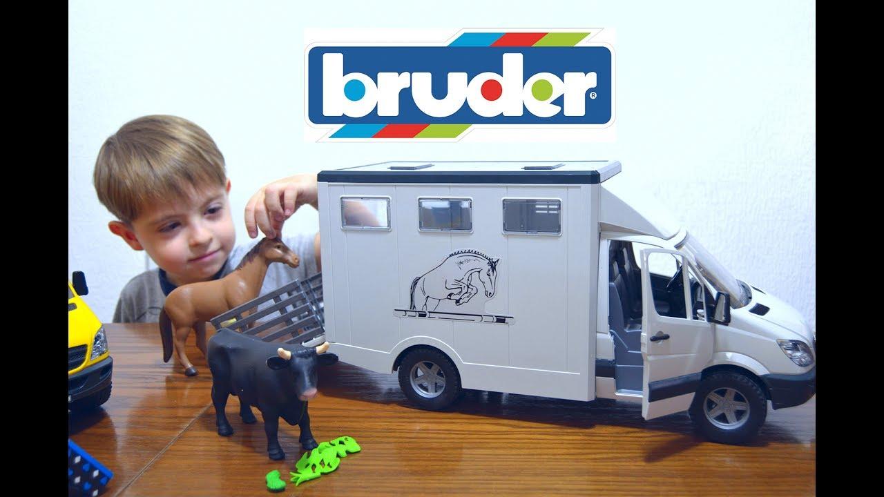 bruder mercedes benz sprinter pferdetransporter 02533. Black Bedroom Furniture Sets. Home Design Ideas