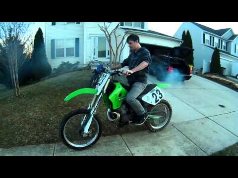 1996 kx250 start up and stuck throttle!!!