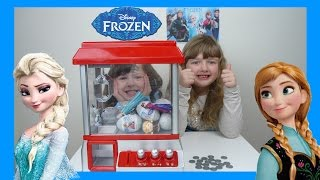 Frozen Claw Machine Game Toy Challenge Candy Grabber Frozen Surprise Eggs + Toys Candy