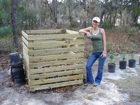 How to Build an Easy Compost Bin