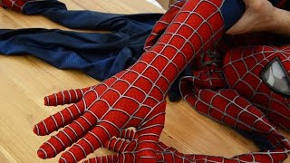 The Gloves of the Spider-Man Suit - HOW TO WEAR