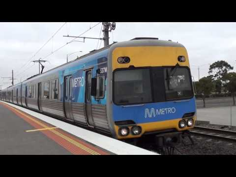Trains at Hoppers Crossing - Melbourne Transport