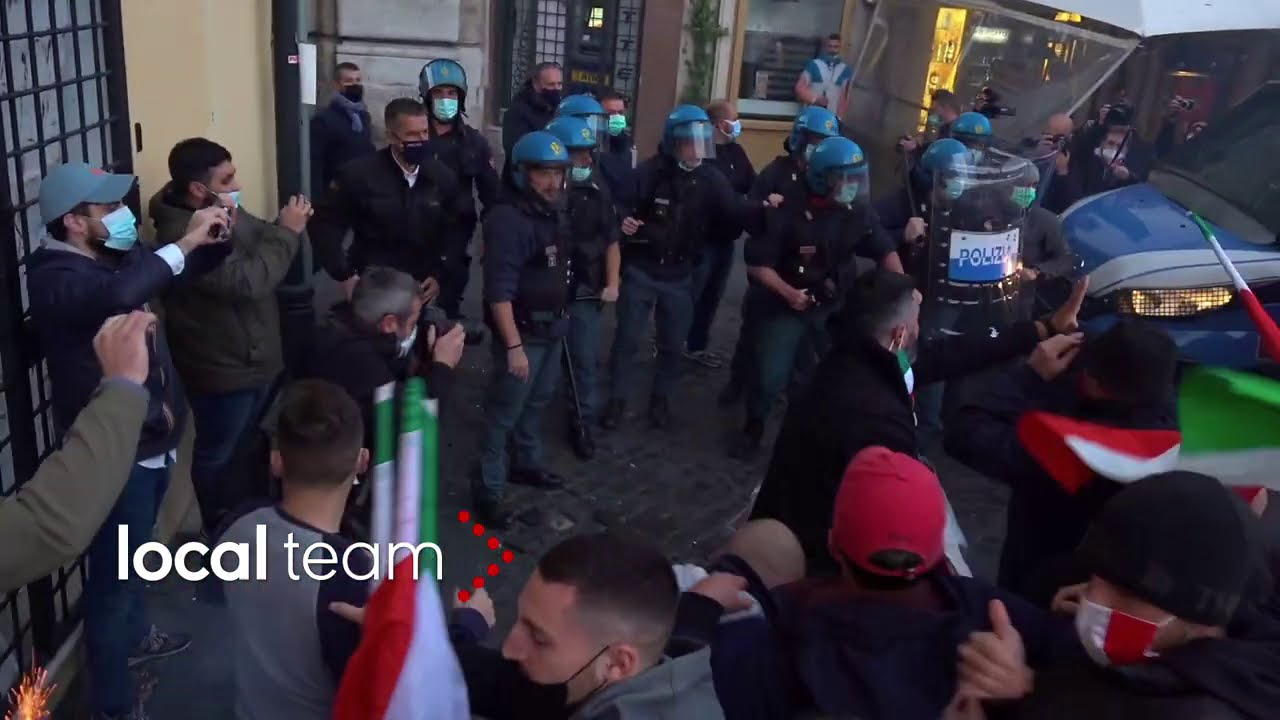 Scontri a Roma in piazza Campo de' Fiori - YouTube
