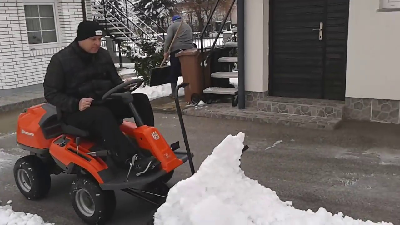 husqvarna rider r 214 tc in snow youtube. Black Bedroom Furniture Sets. Home Design Ideas