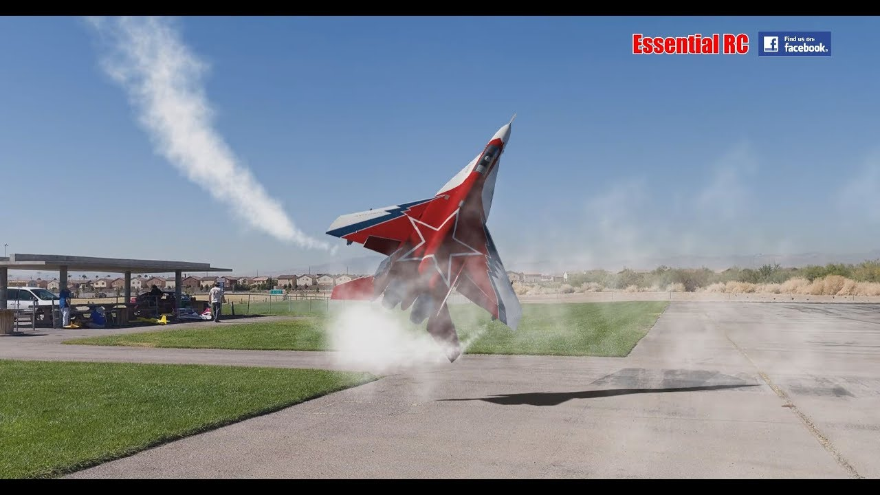 SPECTACULAR Soviet Mikoyan MiG-29 OVT VECTORED THRUST Demo