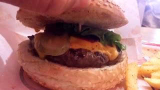 Efsane lezzetler serisi: ''Burger Yiyelim''de hamburger yedik!!!