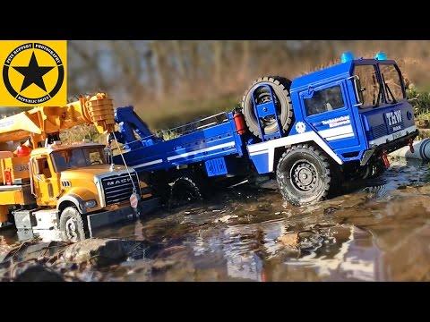 Bruder Trucks Man 6x6 River Recovery Bruder Liebherr Crane