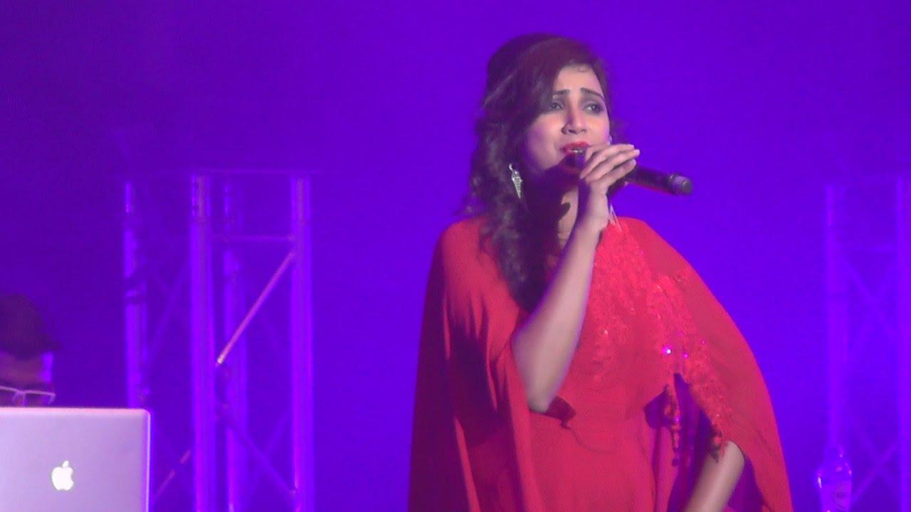 Download SHREYA GHOSHAL   Sun Raha Hai Na Tu   Full Song   Live Performance in the Netherlands