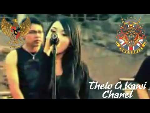 Aremania and Aremanita voice's  (D'Kros)  satu Jiwa