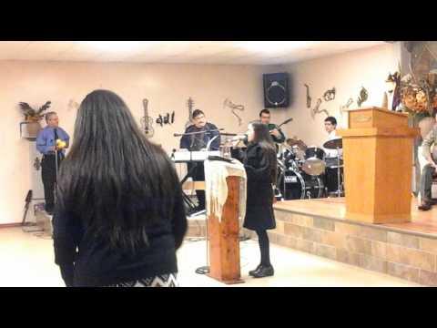 Himno : Ya se escucha la montana