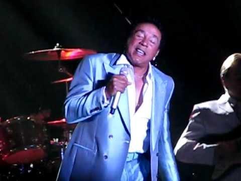 Oooh oooh Baby baby Smokey Robinson Live Feb 18,2012