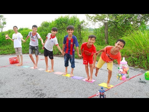 KuMin Play Team Building Game Step On The Colorful Papers Move Toys with Friends