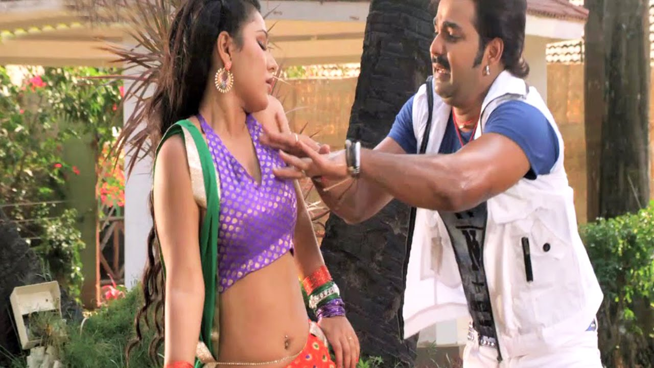 Deke Dhyan Bhagwanji Banaole | Hot Bhojpuri song | Pawan Singh, Priyanka Pandit | Watch in HD