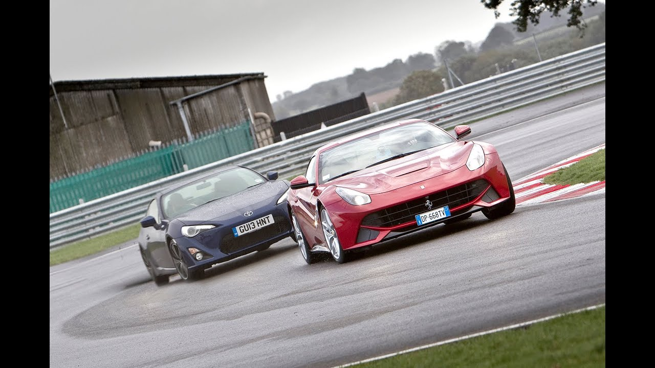 Ferrari Vs Toyota >> Ferrari F12 Berlinetta Vs Toyota Gt86 Which Is More Fun Youtube