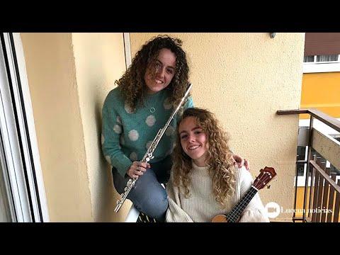 VÍDEO: Ángela y Helena: Música en el balcón para superar el confinamiento por el coronavirus