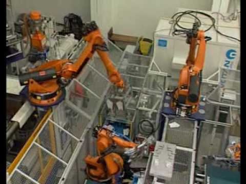 Injection molding applications with a KUKA robot