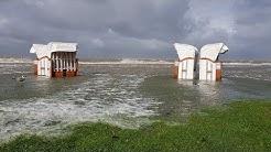 Sturmtief Xavier wütet über Ostfriesland Unwetter Sturmflut Sturm Regen Hochwasser Orkan Land unter