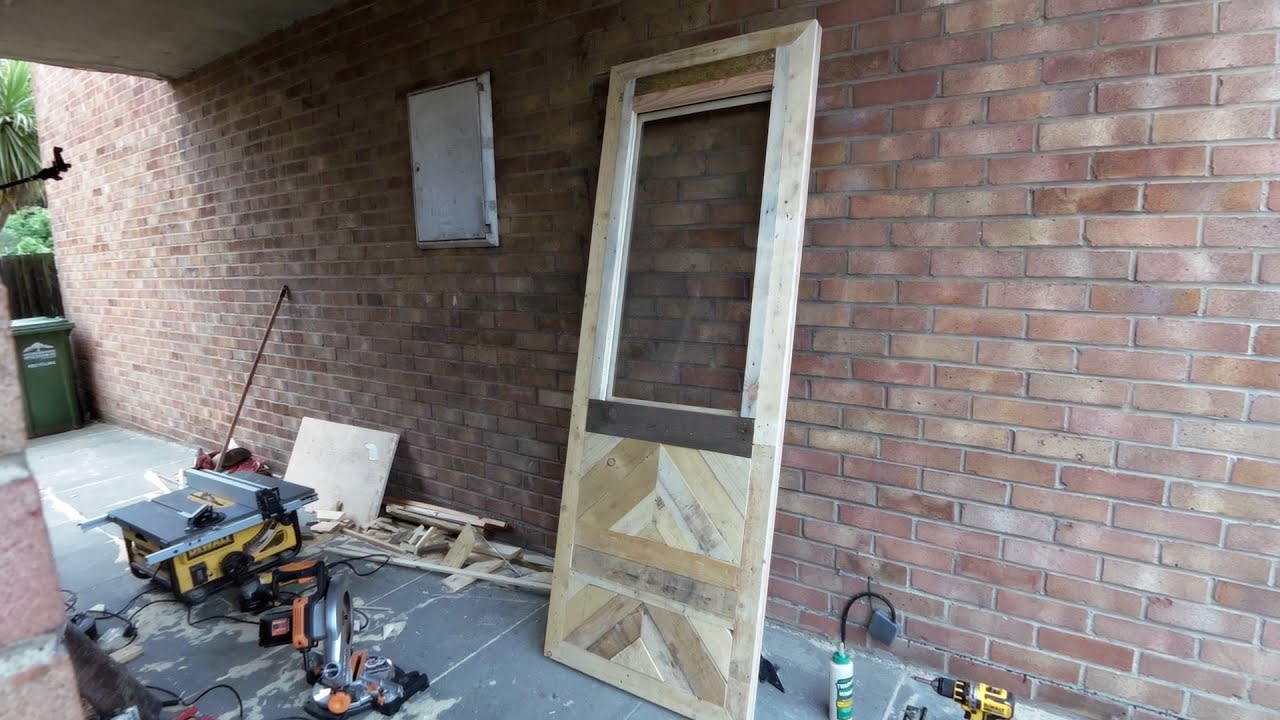 Pallet wood door and frame youtube pallet wood door and frame jeuxipadfo Gallery