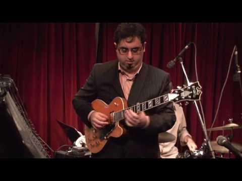 SCOTT DENETT THE NEW YORKER - Live Jazz Guitar Trio