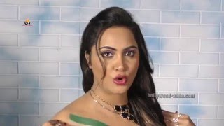 OMG: Arshi Khan Full Speech Shahid Afridi Surprise GIFT
