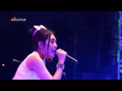 Queen pop koplo indonesia  #lungset -  via vallen live konser