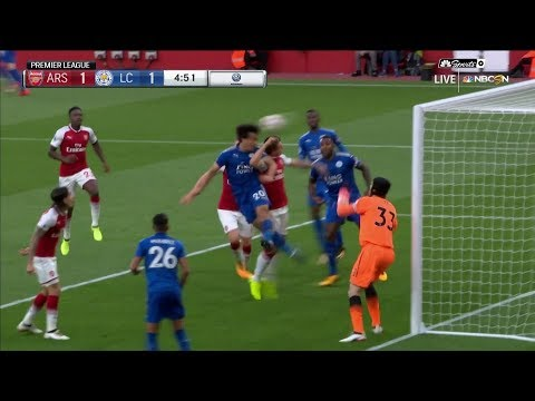 Leicester City's Shinji Okazaki quickly equalizes against Arsenal