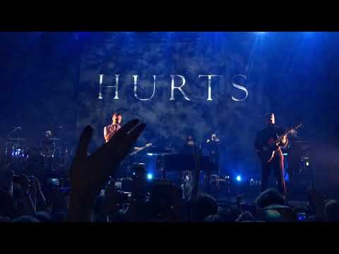 HURTS - Hold On To Me ( Live at Zorlu PSM)...