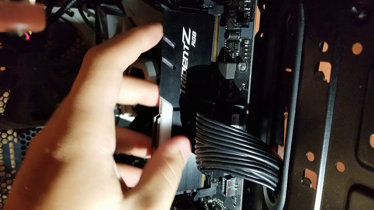 Asus z370-e troubleshooting - won't POST (CPU light flashes) - checking RAM  fully seated