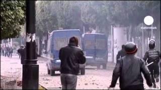 Tunisia, si dimette il premier Ghannouchi