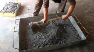Basalt fiber mixing in concrete (manual mixing)(, 2016-01-07T15:48:23.000Z)