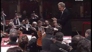 "Tchaikovsky - Symphony n.6 ""Pathétique"" [2/5, Allegro non troppo] - Temirkanov"