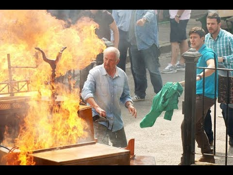 EastEnders - The Moon's Antiques Catch Fire (25th July 2011)