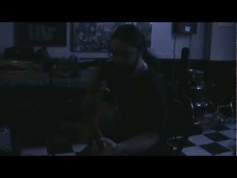 Lee McAdams - Here Comes The Rain - Live @ The News Cafe