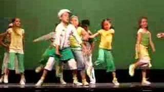Tati dancing
