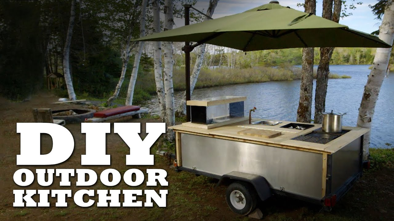 Charming DIY Outdoor Kitchen