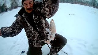 Зимняя рыбалка, отдых, приколы на рыбалке.