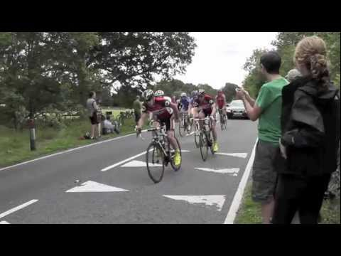 Mark Cavendish on his way to winning London-Surrey Cycle Classic