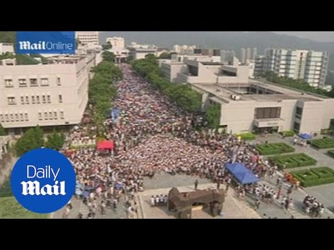 Thousands of students rally for greater democracy in Hong Kong - Daily Mail